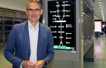 Roberto Maiorana framför skärm. Foto: Hans Ekestang.