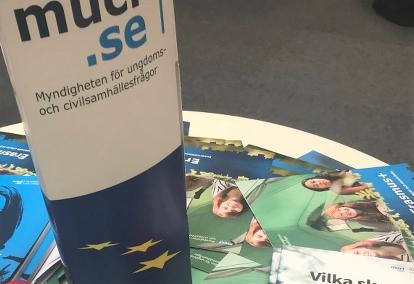 MUCF:s logga tillsammans med EU-broschyrer