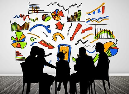 Silhuettbilder av en grupp människor som sitter och diskuterar, tecknade figurer i bakgrunden symboliserar debatten. Foto: Wavebreakmedia