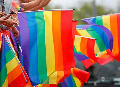 Bild på Pride-flaggor. Foto Michael Erhardsson