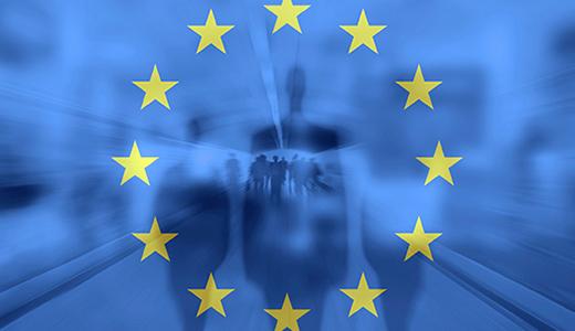 Temabild av EU-flaggan mot en bakgrund av skuggor av människor