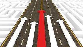 Illustration där flera pilar pekar framåt i samma riktning längs en väg.